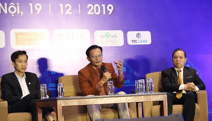 Chuyên gia kinh tế Lê Xuân Nghĩa phát biểu tại Hội thảo của Thời báo Kinh tế Việt Nam. Ảnh: Quang Phúc